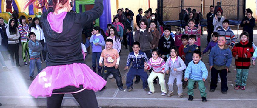 Senda y Transportes Ilzauspe celebran a escolares